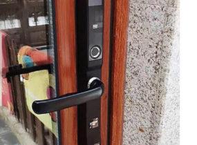 Khóa cửa vân tay và lưu ý khi dùng